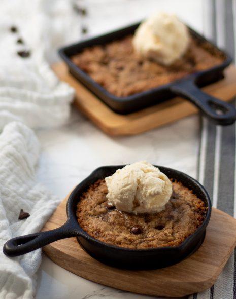 Vegan & gluten-free skillet cookie