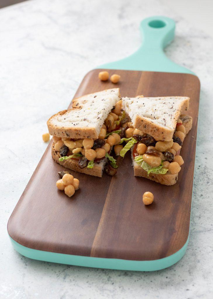 Vegan sandwich filling: coronation chickpeas
