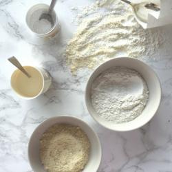 A gluten-free cake flour blend